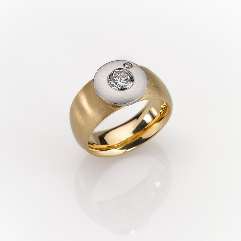 Ring Gold 750/-, Platin 950/- 1 Brillant 1,01ct 1 Brillant, roséfarben 0,043ct