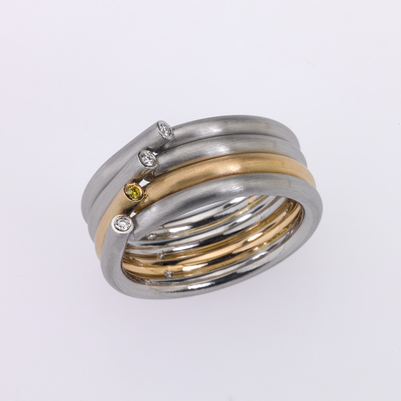 Ring Platinum/Gold 4 Diamonds brilliant cut