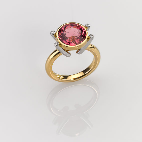 Ring Gold 750/-, Platinum 950/- 1 Tourmaline 6,05ct 4 Diamonds - brilliant cut 0,04ct