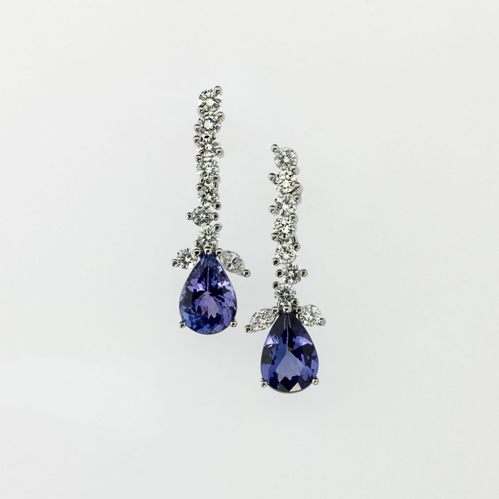 Earrings Platinum 950/- 2 Tanzanite 4,0ct 2 Diamond Marquise 0,175ct 16 Diamonds - brilliant cut 1,208ct