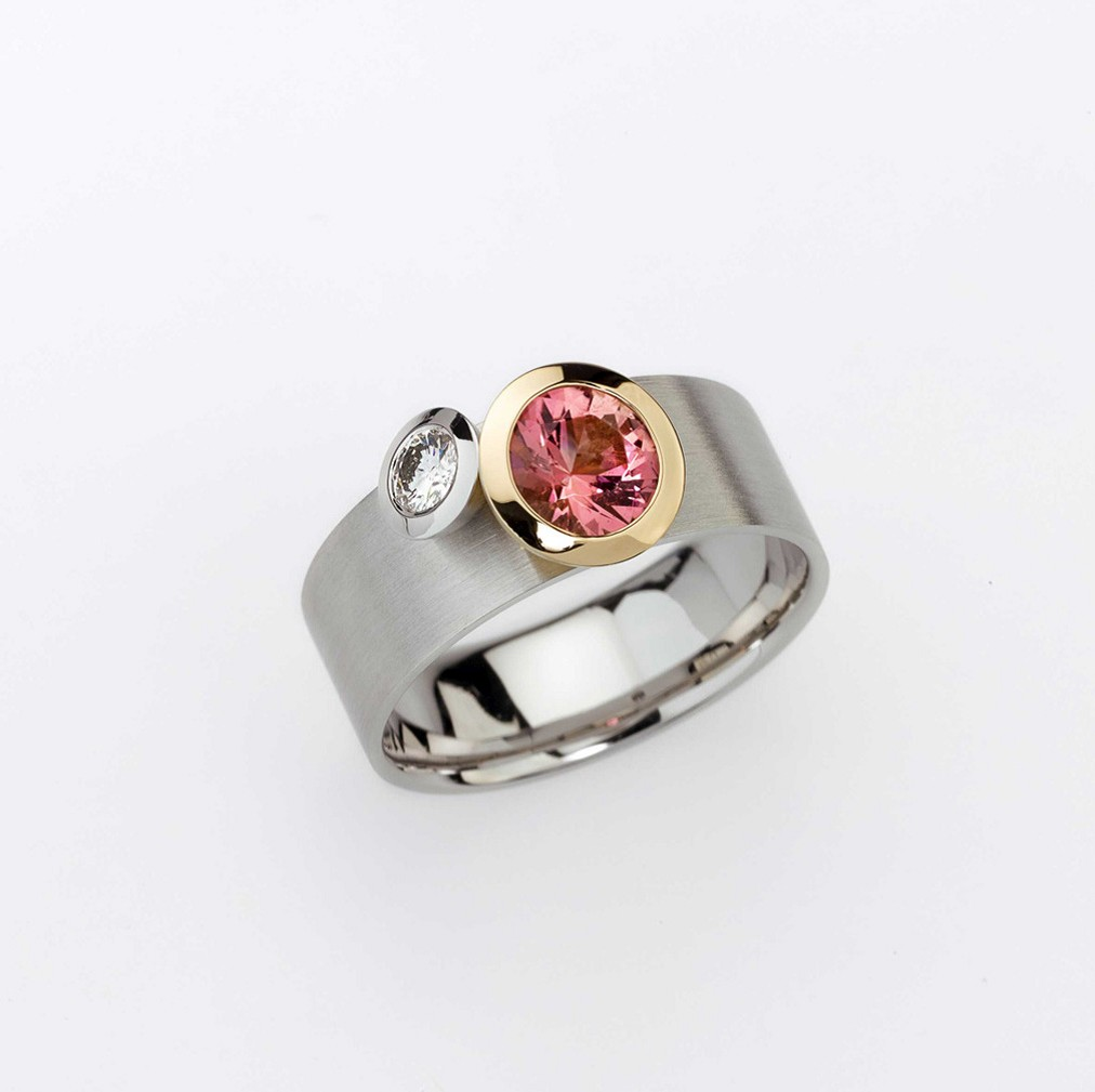 Ring Platinum 950/-, Gold 750/- 1 Tourmaline / 1 Diamond - brilliant cut