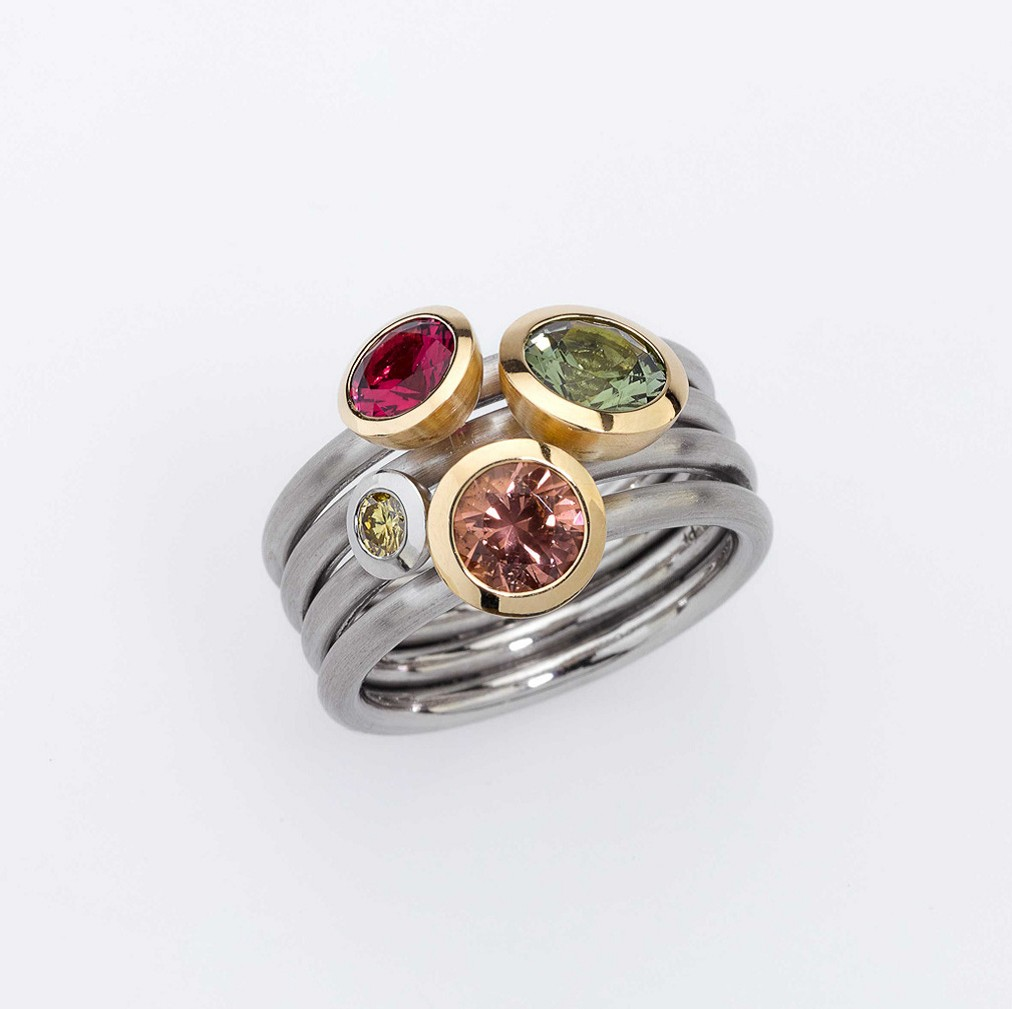 Ring Platinum 950/-, Gold 750/- 3 Tourmalines / 1 Diamond - brilliant cut