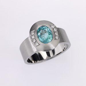 Ring Platinum 1 Paraiba-Turmalin 1,79ct 8 Diamonds brilliant cut 0,12ct