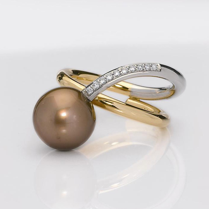 Ring Gold 750/-, Platinum 950/- 1 Tahitian - south sea pearl Diamonds - brilliant cut