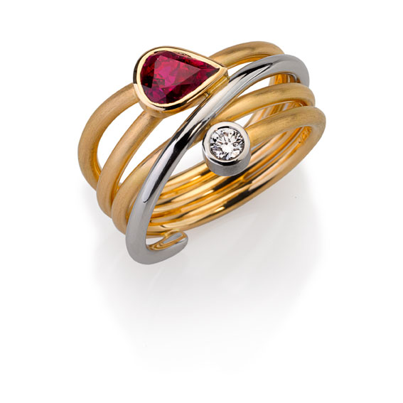 Ring Gold 750/-, Platinum 950/- 1 ruby 1,1ct, 1 brilliant 0,114ct