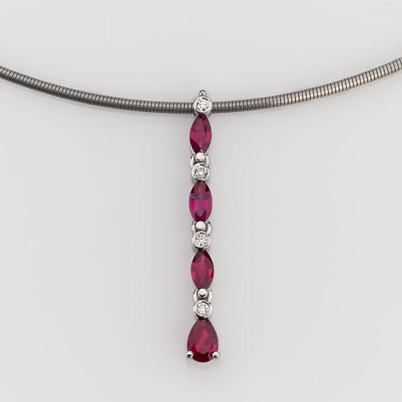 Pendant Platinum 950/- 4 Rubies 1,323ct 4 Diamonds brilliant cut 0,064ct