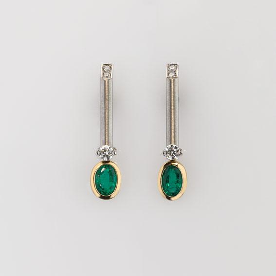 Ohrschmuck Platin 950/-, Gold 750/- 2 Smaragde 0,698ct 6 Brillanten 0,17ct 